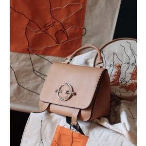 $687.91(原价$1499.65)通勤时尚近期好价:JW Anderson 多色经典牛鼻子包