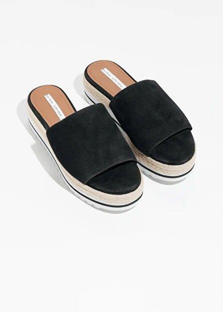 草编底凉鞋