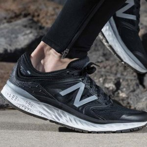 Last Day: $24 + $1 SshippingWomen's 490v5 Running Shoes @ Joe's New Balance Outlet