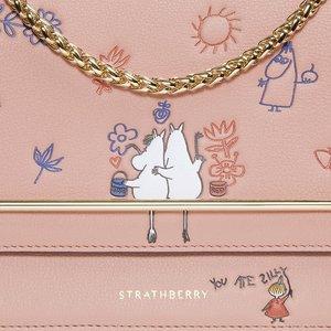£85起 小可爱元素加小女人包型疯抢断货中:Strathberry X Moomin(姆明)系列已经发售
