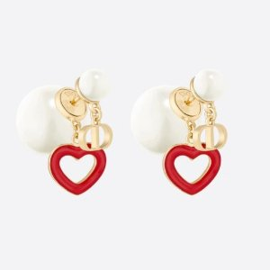 £470收封面耳饰上新:Dior 七夕限定dioramour系列配饰上架 小红心浓浓爱意