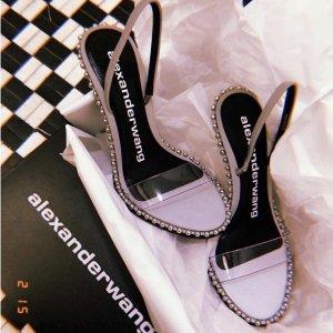 低至4.5折 华伦天奴铆钉$450SSENSE 仙女凉鞋特辑 A王高跟凉鞋$728 Chloe凉鞋$363