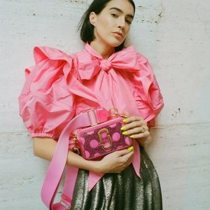 Extra 20% OffMarc Jacobs Selected Bags Sale