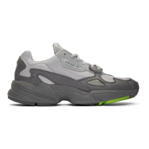 adidas Originals封面类似款Falcon 老爹鞋