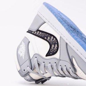 限时9折 收宋茜同款小闪电Air Jordan 1 超全上新 二次元、黑曜石、蜘蛛侠、DIOR联名