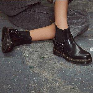 低至6折 £65收银色8孔Dr.Martens 多款多色热促中 显瘦时髦马丁靴