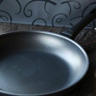 谁说家常菜不能色香味俱全?你可能缺了这口双立人Madura不粘锅!