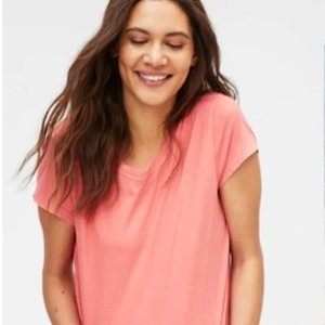 50% OffAll Women's T-Shirts @ GAP