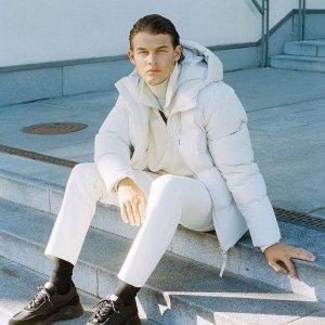 低至5折 100%羊毛围巾仅€20Arket 新年大促 高颜值男装区 北欧极简风 轻松get男神搭配