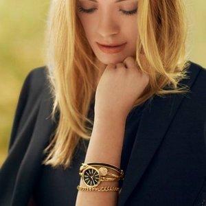 $68.06(原价$239)Anne Klein 高颜值 施华洛世奇水晶套装表