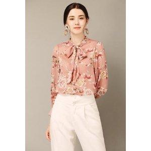粉色花朵衬衣
