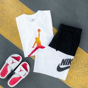 4折起 €99收超火Nike大勾毛绒外套手慢无:Footlocker 大促区补货+上新 Nike、阿迪、Jordan 超多品牌等你来