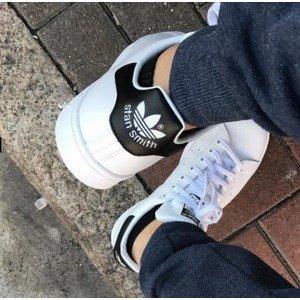 6.3折 包邮 暂时码全手慢无:Adidas Stan Smith 男女同款黑尾小白鞋