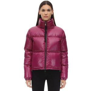 Moncler玫粉色羽绒服