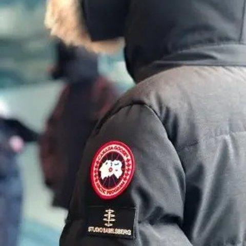 5折起 毛领款或将停产 速囤货Canada Goose 强势热促 远征款等 长款大衣$900+