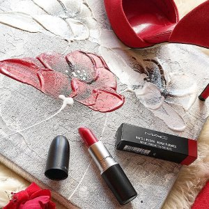 Today Only: Dealmoon Exclusive! Free Full-Size Lipstickwith your $35+ lipstick purchase @ MAC Cosmetics