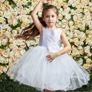 7折+额外85折,做童话世界公主The Bay 设计师款小公主连衣裙,仙气溢屏