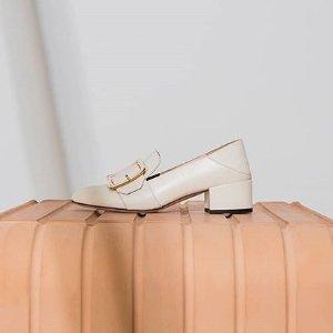 全部8折 经典方扣鞋£376闪购:Bally 经典美鞋罕见大促 新款全部参与 经典款码全速抢