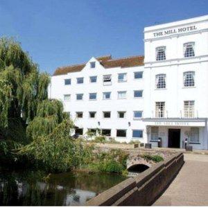 56折 包含早晚餐和凝脂奶油下午茶萨福克郡Suffolk休闲4星级假日酒店 £129起
