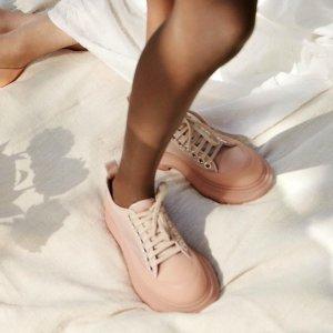 仅需$575(原价$1150)Alexander McQueen 新款干枯玫瑰色Trad Slick厚底鞋 码全