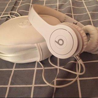 耳机那么多,该选哪一个?( ・᷄ὢ・᷅ )