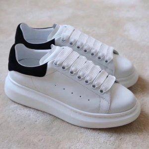 6.5折!糖果色小白鞋£253最后一天:Alexander Mcqueen 近期最好价 黑尾、帆布款等速速入