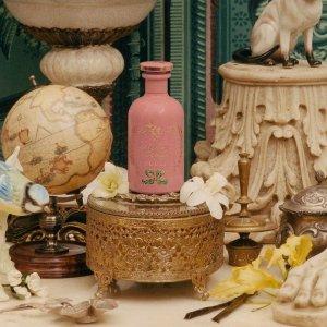 粉色素馨花 全法独家Gucci The Alchemist's Garden新款香水上线 看颜值就想入系列