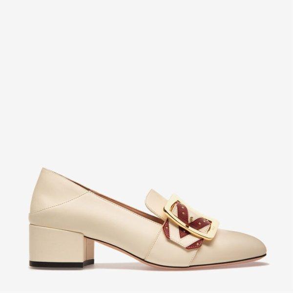 JANELLE方扣中跟鞋