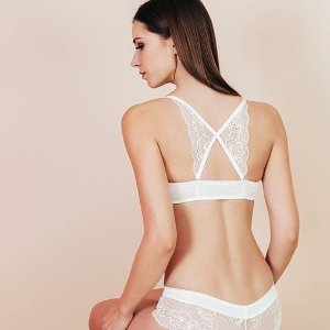 Starting from $29.99Bra set Sale @ Eve's Temptation