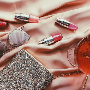 8.5折 + 满额送3件豪礼最后一天:Lancôme官网 唇部产品热卖 收星辰菁纯唇膏