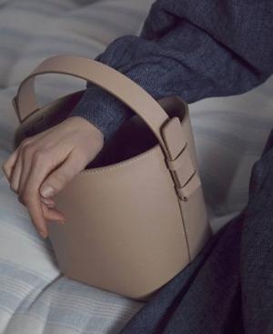 ¥1799收封面款adenia手袋意大利 Nico Giani手工手包 怦然心动的意式风情