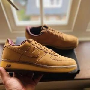 低至3折 €77收爆款空军一号Sneakersnstuff 新年大促 Nike、Adidas、Converse爆款都有