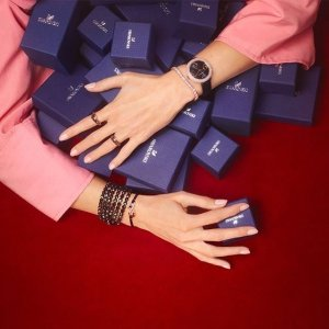 4折+满额最高送$40礼卡限今天:Swarovski 首饰限时闪购 羽毛系列项链、耳饰套装$51