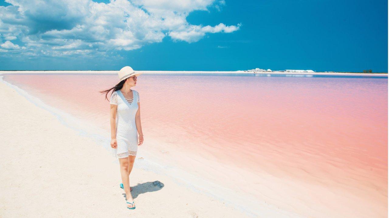 满满都是少女心的粉色湖