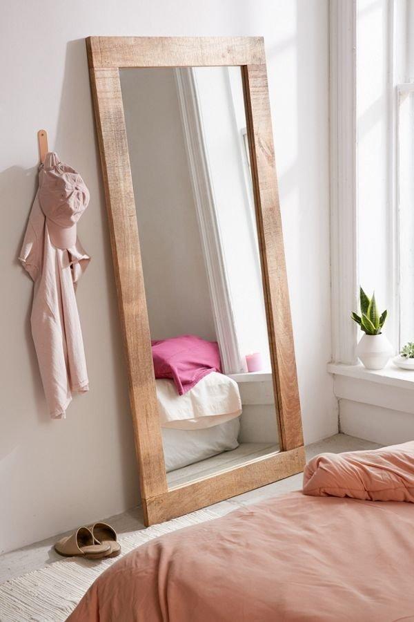 木制穿衣镜