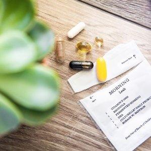 免费测试+首月5折+免邮黑五独家:Persona Nutrition 量身定制维生素保健品组合包