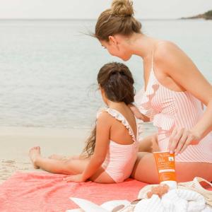 防晒喷雾仅€17 喷一喷就出门Avène 雅漾防晒系列 有效防晒黑 成分更安全 敏感肌好选择