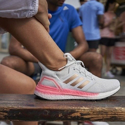 Ultraboost 20 女鞋