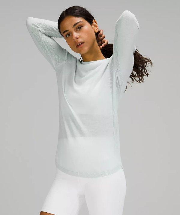 Lightweight Boolux™ 毛衣