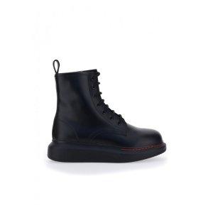 Alexander McQueen骑士靴
