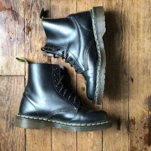 3折起 满$300立减$50Dr Martens官网 万年爆款潮靴限时闪促 收经典1460、切尔西靴