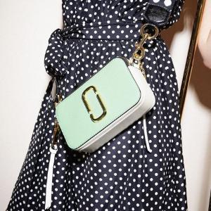 低至7折 实用零钱卡包$97收Marc Jacobs 私密全线热促 收相机包、时尚耳饰