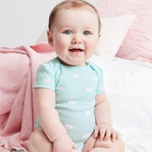 包邮 六件长袖包臀衫$11 打底裤$4即将截止:Carter's官网 婴幼儿服饰2.8折起大促,一年仅两次