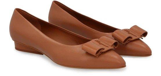 蝴蝶结高跟鞋