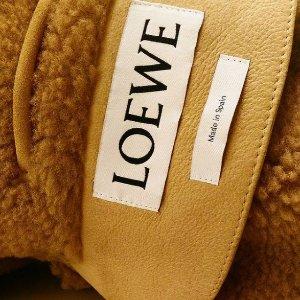 9折!冷帽补货仅€79LOEWE 爆款专场 收 Puzzle、Gate、菜篮子、围巾冷帽等