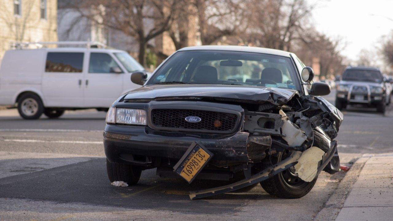 在法国发生交通事故该如何处理 | 事故报告单填写、汽车罚单处理、特殊情况处理