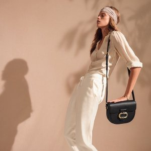 低至3折!€63收单肩包Aigner 德国百年皮具 牛皮包包、精致腕表热促 精湛工艺和设计