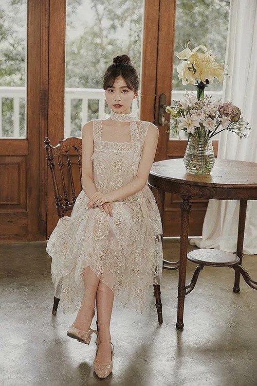法式钩花蕾丝吊带裙