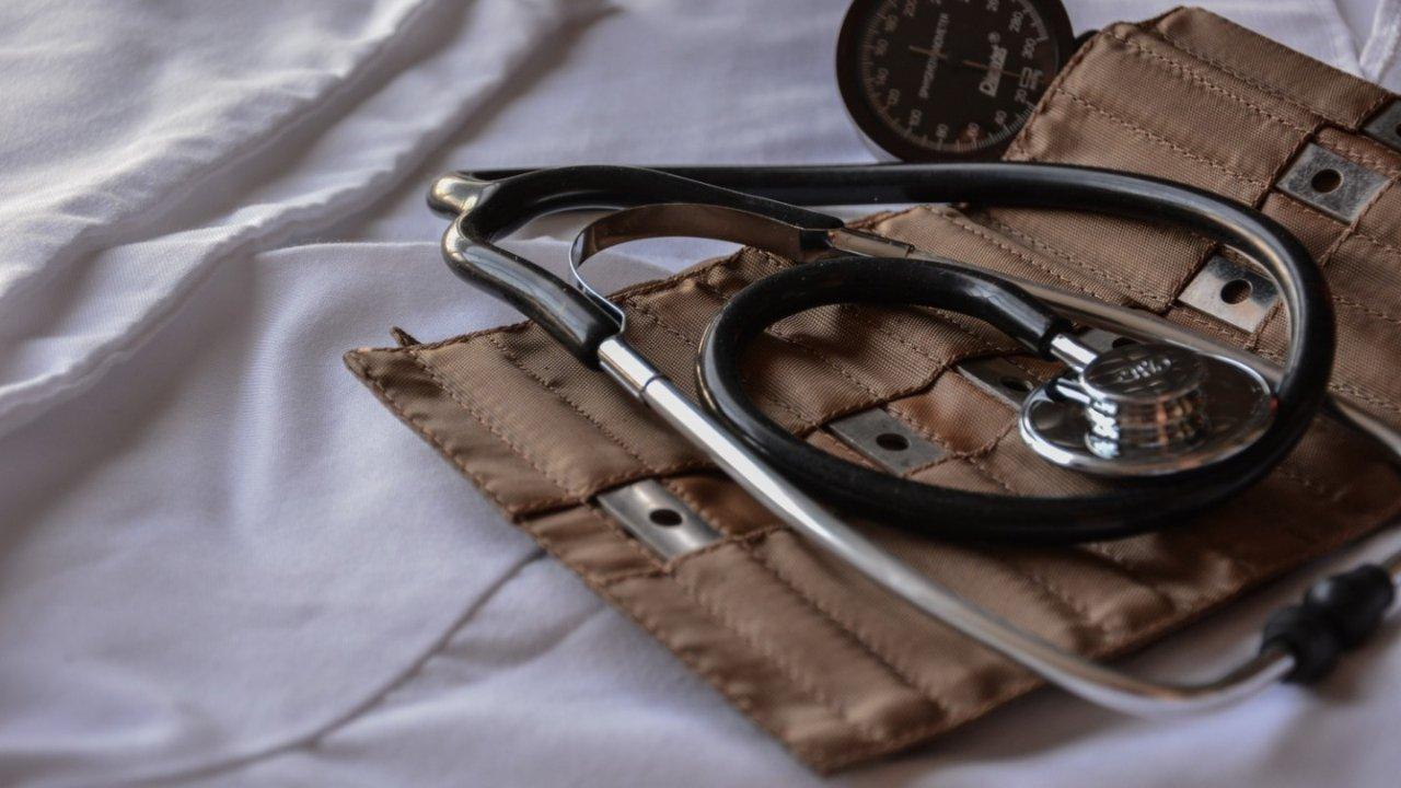 法国看病流程全攻略 | 法国医院类型,如何预约医生,看病流程等