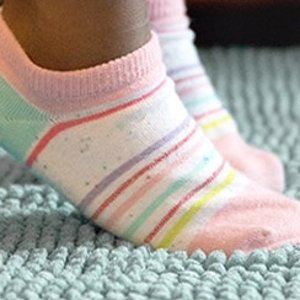 额外7.5折Stride Rite 儿童袜子和配饰促销 收超值蓬蓬裙发带套装